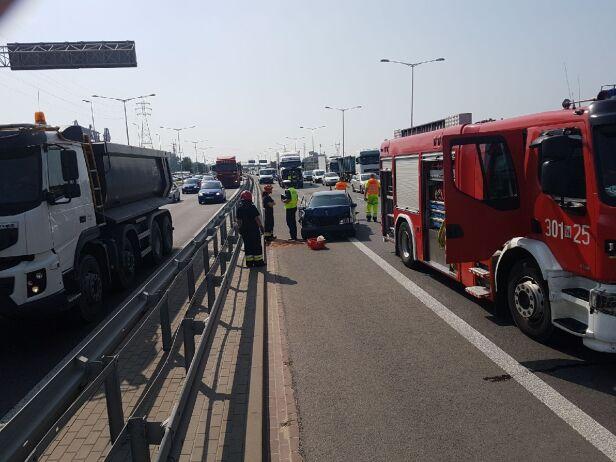 Wypadek na Trasie Toruńskiej warszawa@tvn.pl