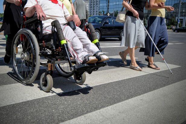 Zajmą się likwidacją barier m.in. dla niepełnosprawnych UM Warszawa