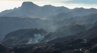 Pożar na Gran Canarii dogasa