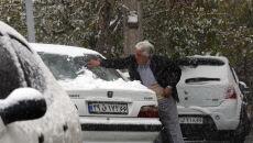 Zimowa aura w Iranie (PAP/EPA/ABEDIN TAHERKENAREH)