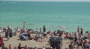 Mieszkańcy Wielkiej Brytanii korzystają z gorącej pogody